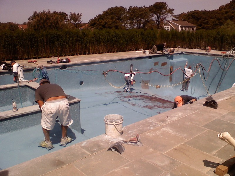 Swimming Pools Contractor Services